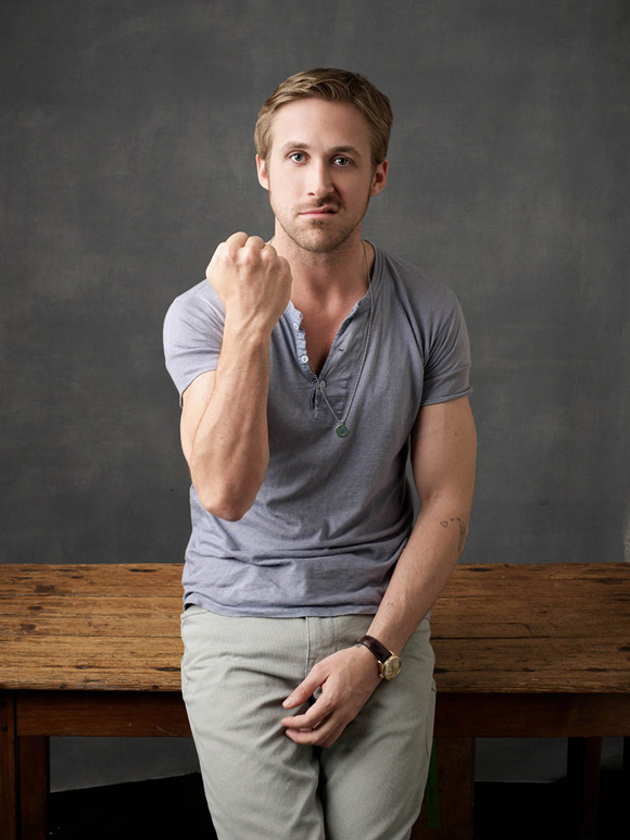 confused dasher, how to dress like ryan gosling, ryan gosling effortlessly stylish
