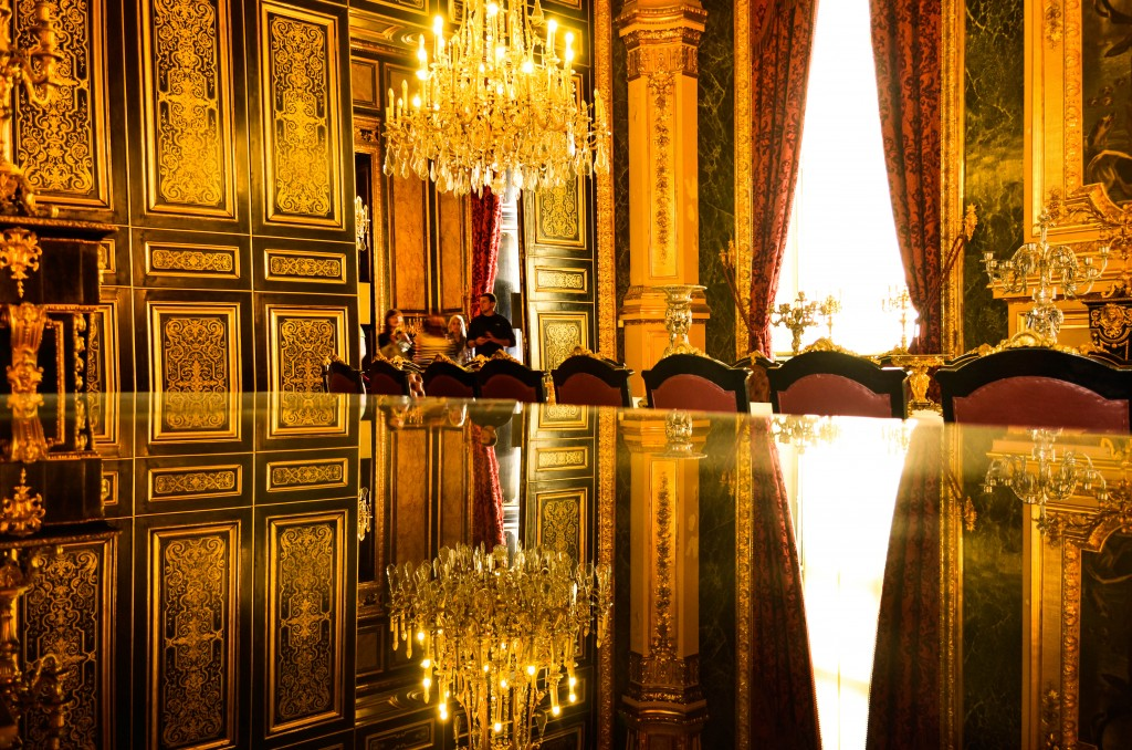Napoleon III Apartments, confused dasher, paris 5 day trip report, what to do and what to see in paris in 5 days, things to do on a last day in paris, the beauty of Rue de Rivoli, Musee de louvre
