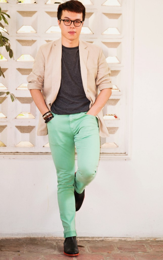 Closed Soft Mint Denim Jasper, the color that goes well with mint green, confused dasher, mint green jeans for men, how men wear mint colored pants, men wearing pastel colors, Paul Smith AW12 Otter Black Leather Chelsea Boots (with Orange Sole), Muji linen blazer for men