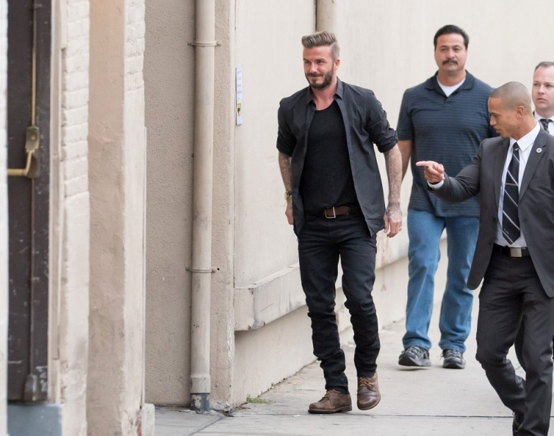 David-Beckham-Black-Clothes-001-800x630