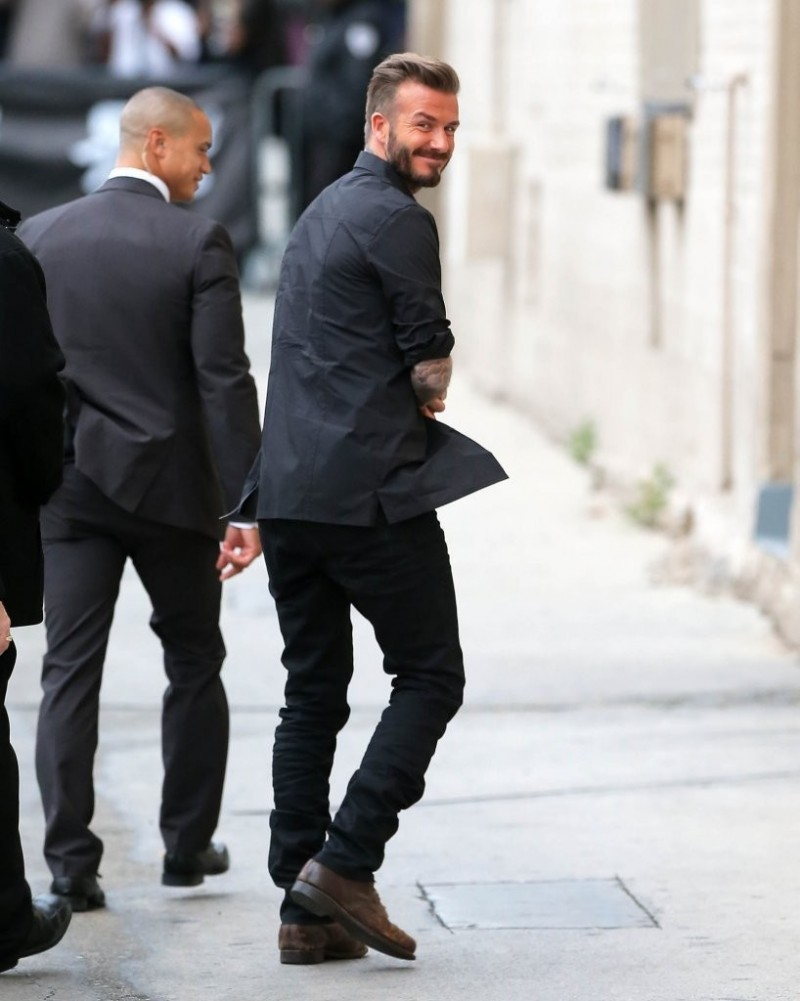 David-Beckham-Black-Clothes-003-800x1001