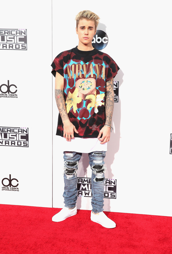 Very Ridiculously Dressed At 2015 Amas Justin Beiber Inwhatever